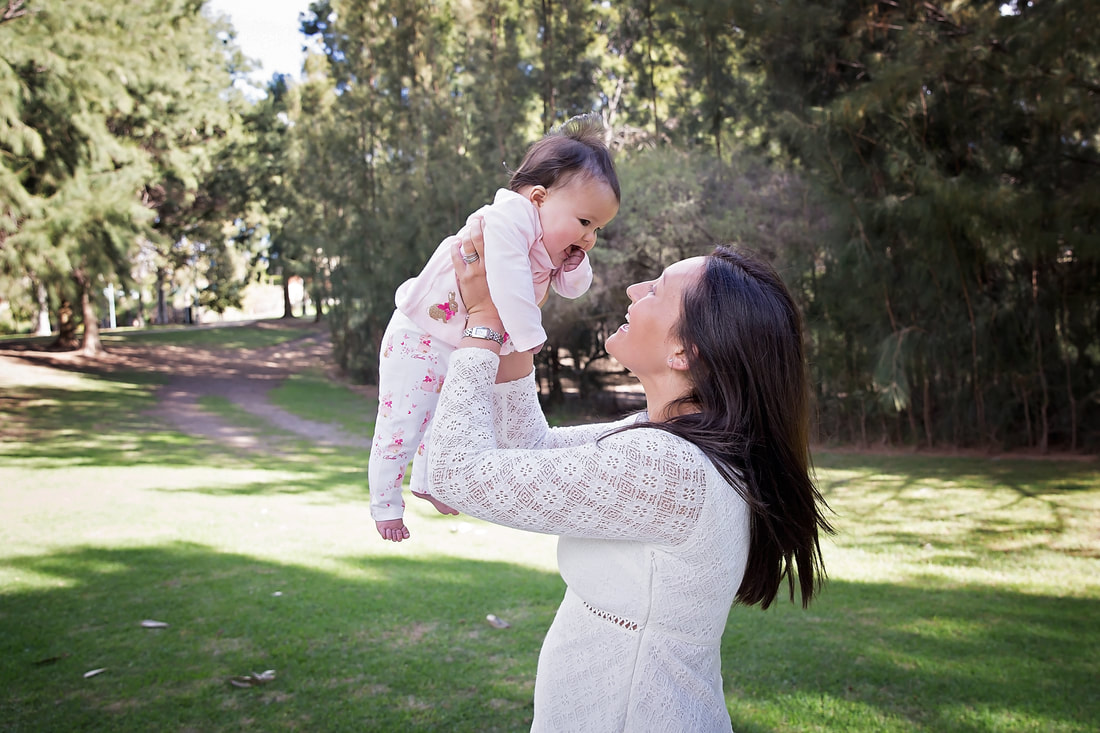 Mummy and daughter outdoor family photos