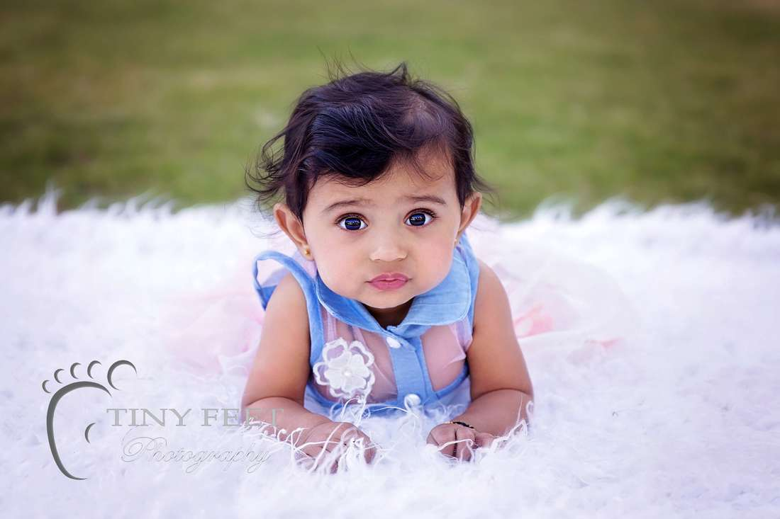 Tiny Feet Photography outdoor children portrait images