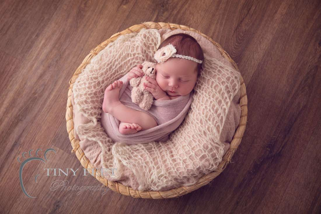 Tiny Feet Photography baby girl posed in bowl